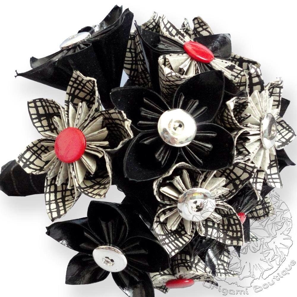 Black and White origami flower bouquet, handmade by the origami boutique, London.