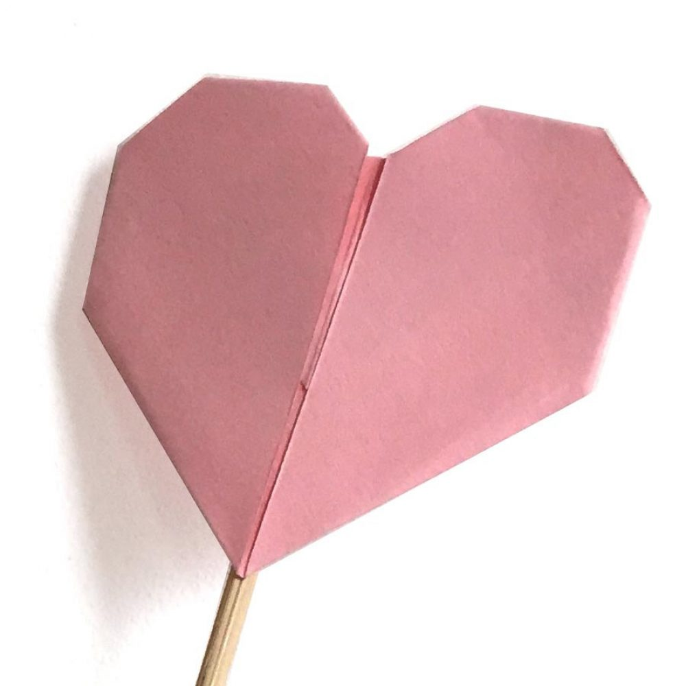 pink origami heart favour, hand folded by the origami boutique, london.