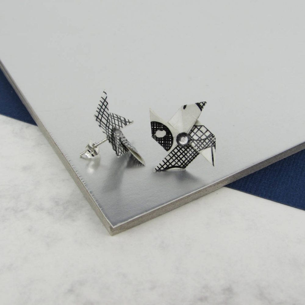 Origami jewellery with rhinestone, in scraffito pattern.